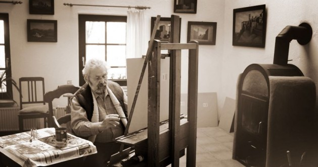 Guenter Horn at work in atelier (studio)